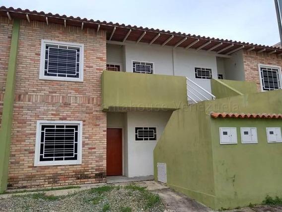 Apartamento En Venta Urb La Pradera Turmero/ 21-1561 Wjo