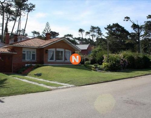 Casa En Venta Y Alquiler, San Rafael, Punta Del Este, 3 Dormitorios.- Ref: 208750