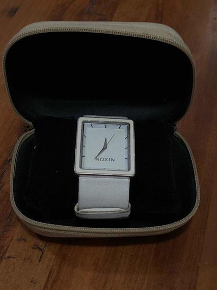 Relógio Nixon Pretty As A Picture Branco.