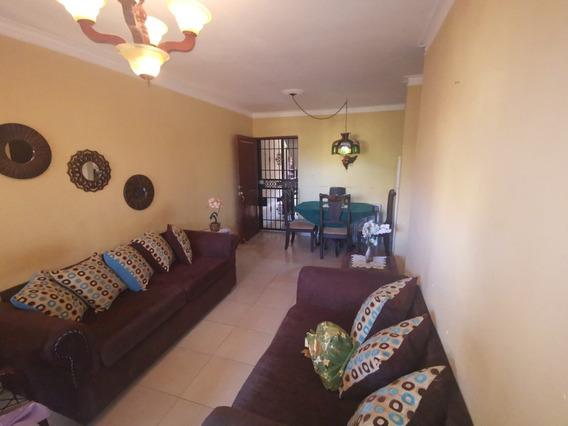 Apartamento En La Jacobo, Fresco Y Bien Orienatado Con Areas