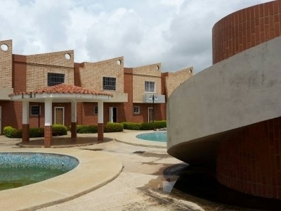 Venta De Townhouse C299609 Vanesa Z 4149486115 4124543477