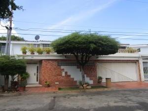 Casa En Venta Circunvalacion Dos Maracaibo Mls # 20-5899
