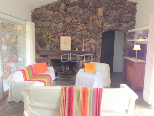 Alquiler Anual Casa En Pinares- Ref: 604
