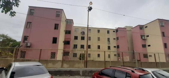 Apartamento En Venta El Obelisco Rahco