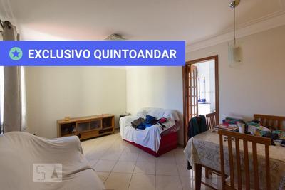 Apartamento No 2º Andar Mobiliado Com 2 Dormitórios E 1 Garagem - Id: 892933097 - 233097