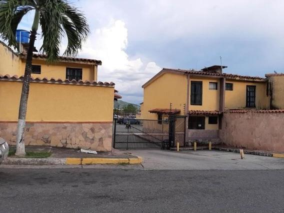 Townhouse En Venta En Altos De La Esmeralda Cod 209520 Gav