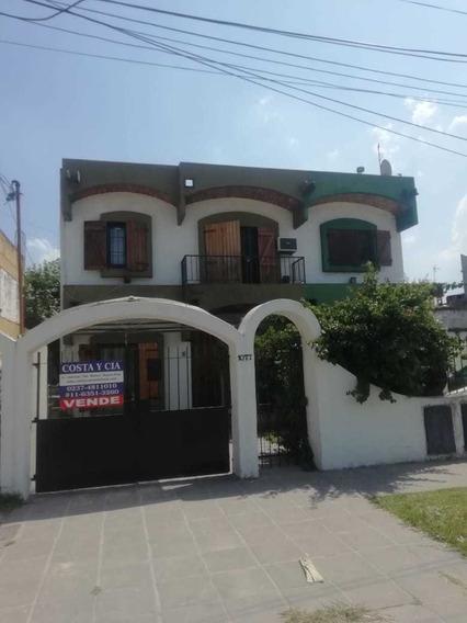 Excelente Casa A La Venta Frente Entrada Macabi.-