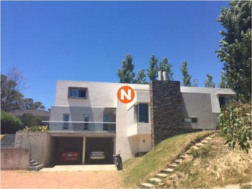 Casa En Venta Y Alquiler, La Residence, Punta Del Este, 3 Dormitorios.- Ref: 209865