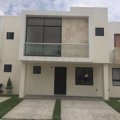 Casa En Condominio Horizontal: 3 Recamaras, 3 Baños En Gto.