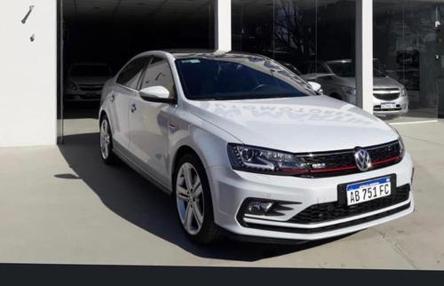 Imagen 1 de 10 de Volkswagen Vento 2.0 Tsi Gli 211cv App Connect + Nav 2018