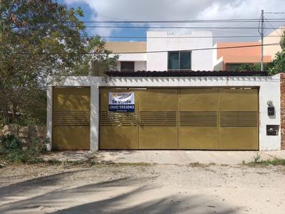 Se Vende Amplia Y Bonita Casa De 3 Recámaras En La Colonia Leandro Valle.
