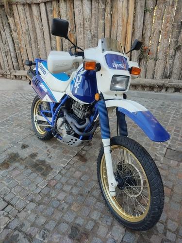 Moto Suzuki Dr 600