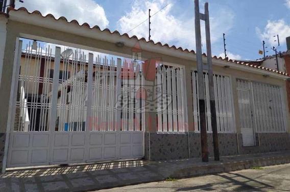 Casa En Venta En Villas Antillanas Maracay/ 20-19268 Wjo