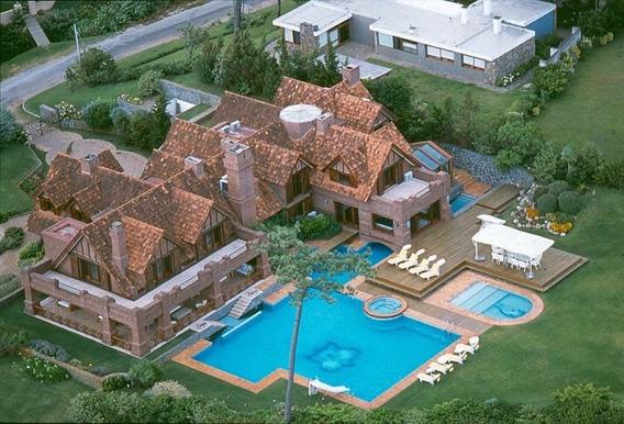 Mansion En Venta En Punta Del Este, Frente Al Mar , 7 Dormitorios.-ref:205807