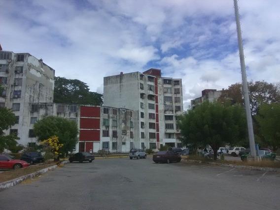 Apartamento En Venta Malave Villalba Guacara 20-9644 Prr