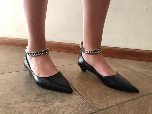 Zapatos Clásicos Con Cadena - Zara