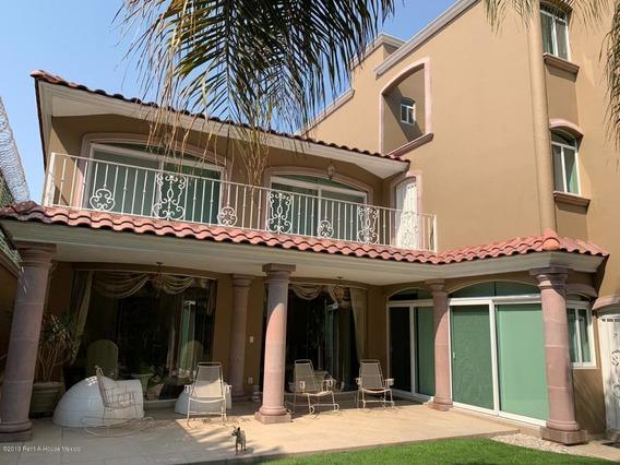 Casa En Venta En Loma Dorada, Queretaro, Rah-mx-20-2032