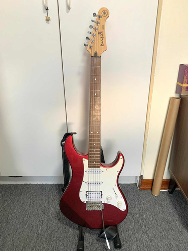 Guitarra Eléctrica Yamaha Pacífica En Excelente Estado