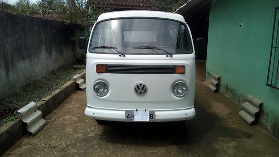 Volkswagen Kombi 1998/98 1.6 Ar Mi Com 97657 Km