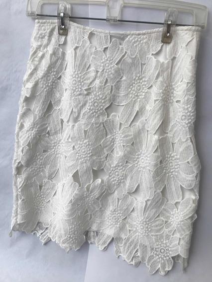 Falda Blanca Chica