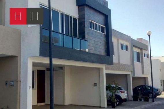 Amplia Casa En Venta Por Tlaxcalancingo Y Periférico Con Roo