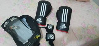 Luva De Box E Muay Thai Da adidas Com Bandagem