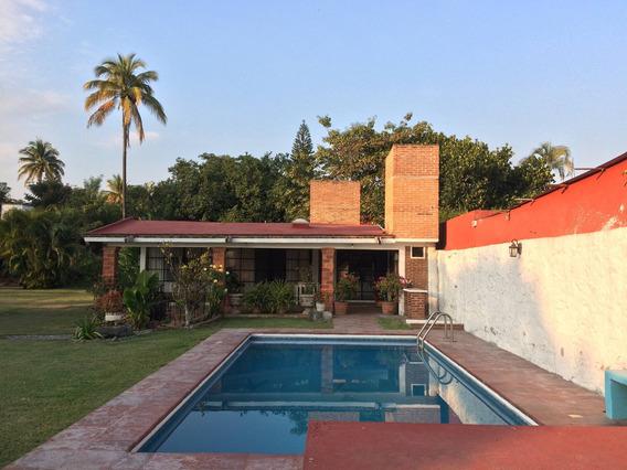 Casa Descanso En Temixco, Mor. 1,400 M² Con Jardín Y Alberca