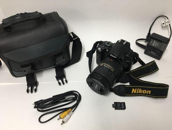 Câmera Nikon D5000 + Lente Nikkor 18-200 Dx + Flash Sr-400