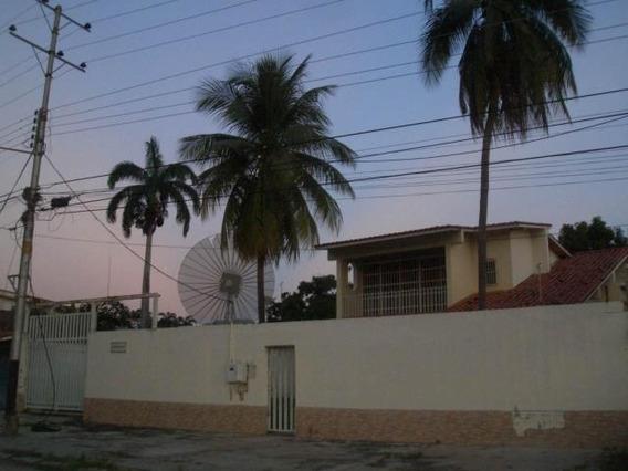 Casa En Venta Urb La Floresta, Maracay Zp 20-20161