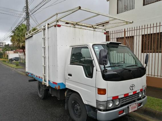 Toyota Dina Camion Un Eje