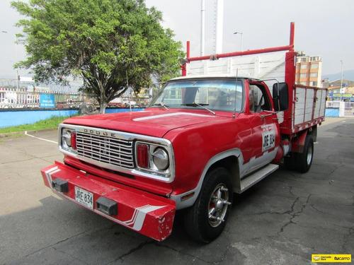 Dodge D 300 135
