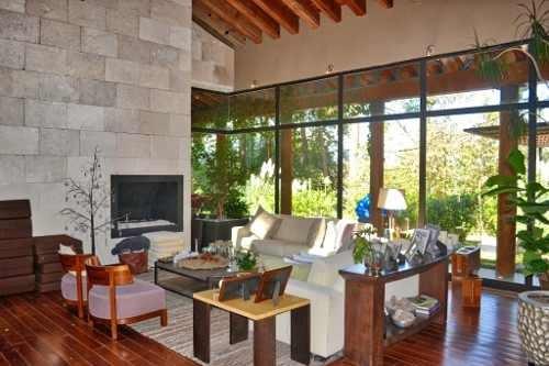 Residencia De Lujo En El Bosque. Ubicada En Condominio. Vigilancia Las 24 Hrs.
