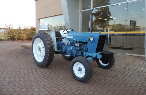 Trator Ford, Modelo 4600 4x2, 62 Cv, Ano 1984 Cod006