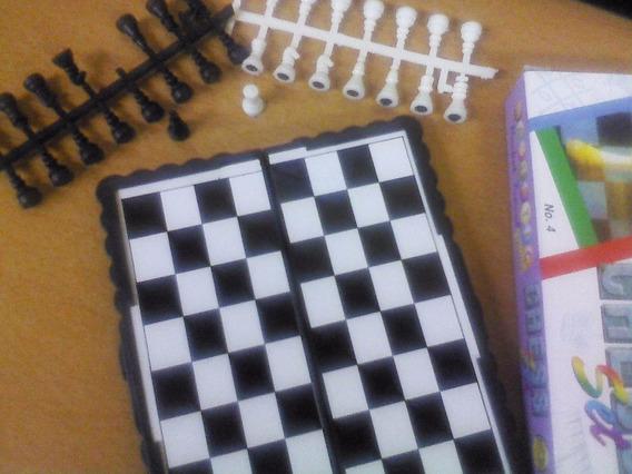 Ajedrez Magnético Portátil (de Bolsillo) (dos Juegos)