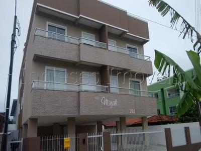Lindo Apto 02 Dormitórios Sendo 01 Suíte.