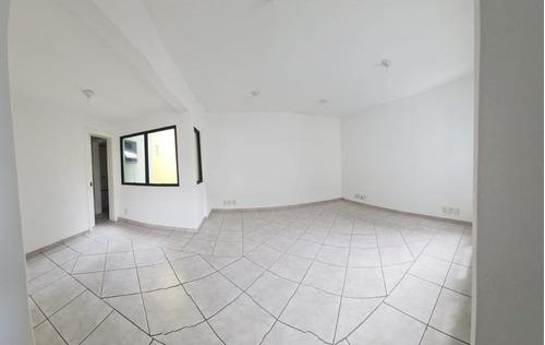 Imagem 1 de 13 de Excelente Sala Comercial De 48 M² No  Centro - Florianópolis/sc - Sa0785