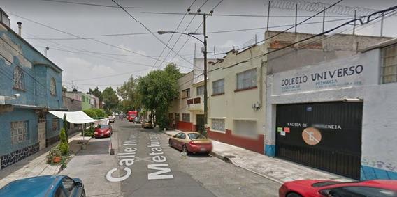 Remate Casa Col Trabajadores De Hierro Azcapot. $985,313