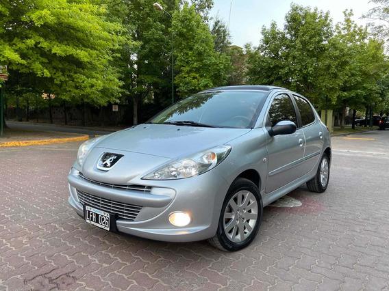 Peugeot 207 1.6 Xt 2012
