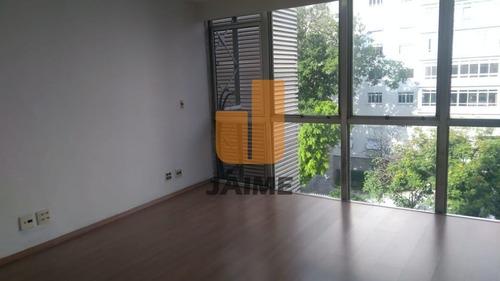 Conjunto Comercial Com 2 Salas De Frente, 2 Banheiros, Copa E 1 Vaga.  - Bi1256