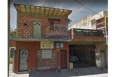 Casa 3 Ambientes. Apto Crédito - Isidro Casanova