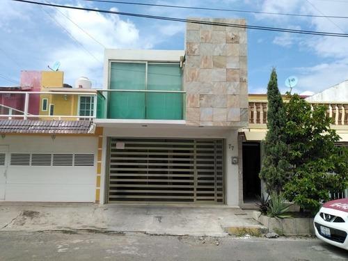 Casa En Venta En Fracc. Coyol. Veracruz, Ver.