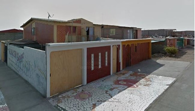 Casa En Venta De 4 Dorm. En Arica