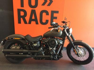 Harley Davidson - Softail Street Bob - Cinza