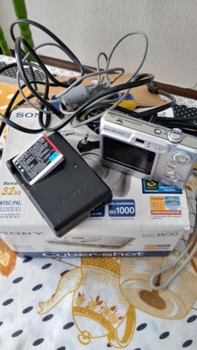 Máquina Digital Sony 32 Mb 6.0 Mega Pixes 2.0 Monitor Lcd.