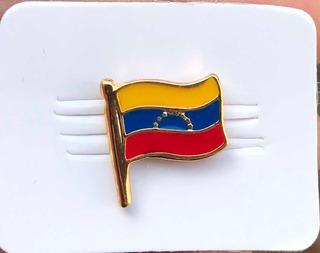 Pin Bandera De Venezuela Flameando
