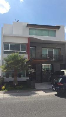 Hermosa Casa De 5 Hab. + Roof Garden + Cto De Servicio En El Refugio.