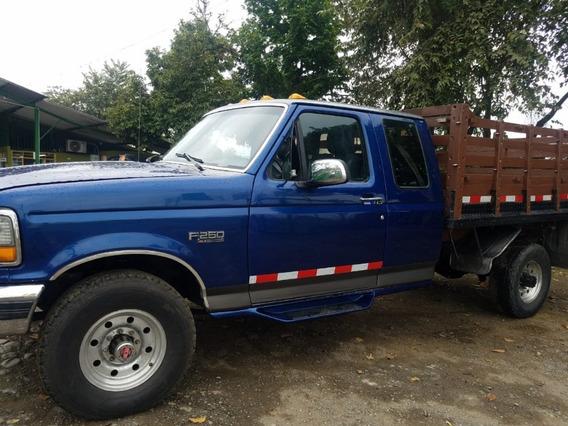 Camioneta Ford 250 De Estacas