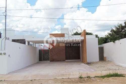 Residencias En Venta En Mérida, De Una Planta En Dzitya