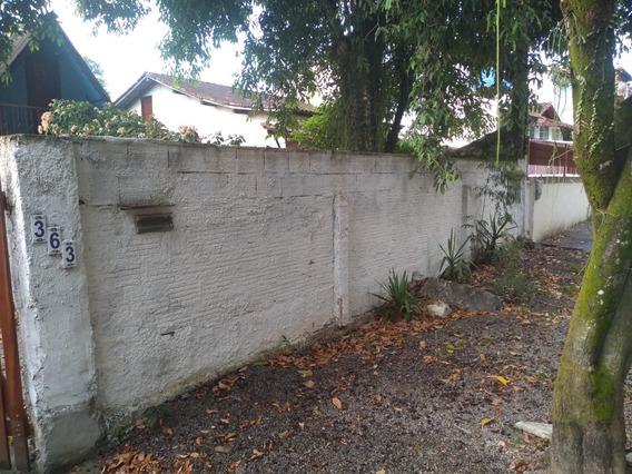 Duas Casas No Mesmo Terreno, 3 Quartos E Chale De 2 Quartos