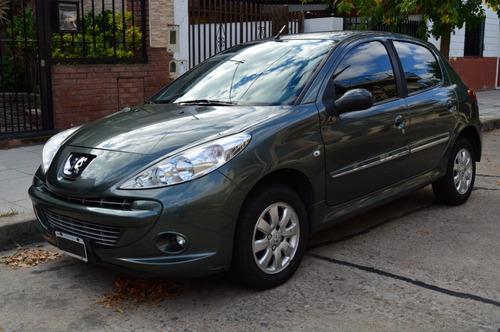 Peugeot  207 Compact 1.4 Allure 2011